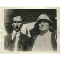 1927 Press Photo Mr & Mrs WA Erwin Parents of Capt Wm Erwin Missing Pilot