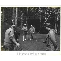 1994 Press Photo Seattle Supersonics basketball coach, George Karl, plays golf