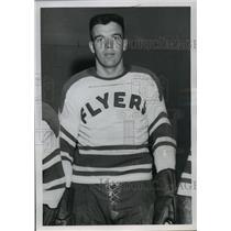 1957 Press Photo Hockey Player Larry Plante in His Flyers Uniform - spx17108