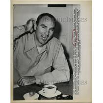 1958 Press Photo Alex Hannum resigns as coach of St Louis Hawks - sbs05025