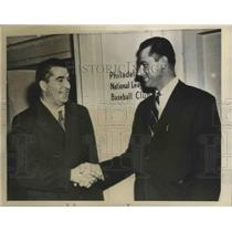 1943 Press Photo Freddy Fitzsimmons Meets Boss Robert Carpenter of the Phillies
