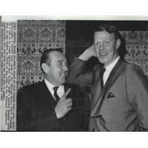 1967 Press Photo Chicago Bulls basketball's GM, Dick Klein & coach, John Kerr