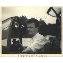1947 Press Photo John Edward Saum won the Thompson Trophy Races. - nef65447