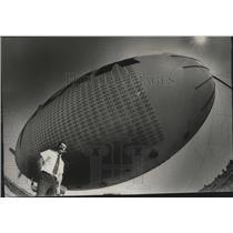 1979 Press Photo The Goodyear Blimp and John Crayton - spa45690