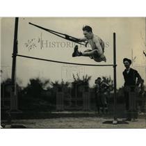 1922 Press Photo Elmer Ray, Disabled High Jump Athlete of Washington YMCA