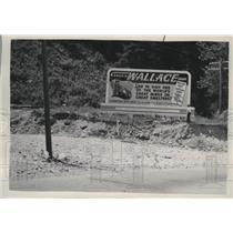 1949 Press Photo Wallace Idaho Visitors Sign - spa55311