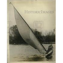 1927 Press Photo Sailboat named Toy at Royal Canoe & Tamesis Club - neo19303