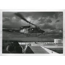 1974 Press Photo Helicopter lands on Sacred Heart Hospital roof - spa69533