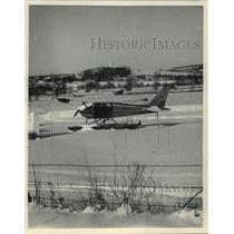 1984 Press Photo Float Plane in Snow Near Verona, Wisconsin - mja63717