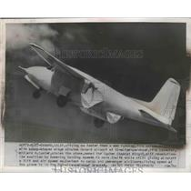 1954 Press Photo Unique Airplane with Scoop shaped Wings Circle Oxnard Airport