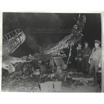 1941 Press Photo New Type Army Bomber Crashed Into Army Tent Camp Kills Pilot