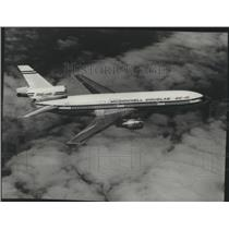 1980 Press Photo McDonnell Douglas DC-10 plane in mid-flight - spa77995