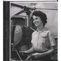 1963 Press Photo Pilot Betty Miller take on solo flight to Australia - spa74386