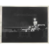 1939 Press Photo T.W.A. Plane After a Night Landing at Hanson City Airport