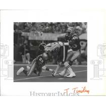 1991 Press Photo San Diego Chargers' Kitrick Taylor in football action