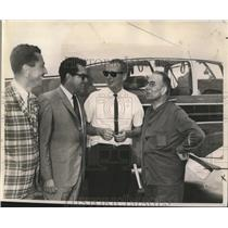 1964 Press Photo New Orleans Lakefront Airport - Pilots and Tourists - noa17814