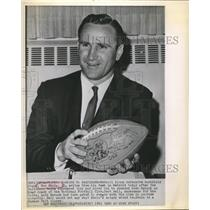 1963 Press Photo Detroit Lions DB coach Don Shula gets the head coach job