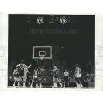 1973 Press Photo Milwaukee Bucks' Final Play Against Golden State Warriors