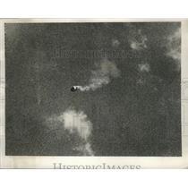 1940 Press Photo A barrage balloon shot down by German planes - ney26915