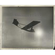 1930 Press Photo First Glider Tried Out in Philadelphia by Wesley Smith