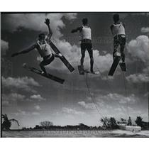 Press Photo Water Skiing Group in Wisconsin - mja67390