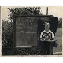 1941 Press Photo Lake City, Tennessee Boy Wins Watch - neo08379
