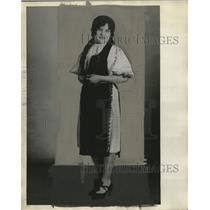 1929 Press Photo Mary Moga in Rumanian costume at All Nations Expo - neo12937