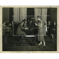 1925 Press Photo Henrietta Johnson & Oakland CA teachers learn broadcastings