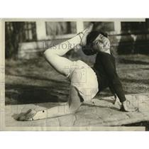 1929 Press Photo Barbara Leach 9 year old Star Acrobat - neo17997