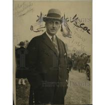1918 Press Photo Ogden Armeur Attends Young Women's Agricultural Training Grad.