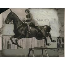 1921 Press Photo Marrion Jones on Midnight at International Horse Show in OK