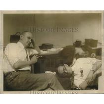1924 Press Photo Saunders & Herman after Pension closes - neo23908