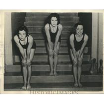1932 Press Photo Helen, Shirley & Eeda Van Buren groomed for Olympic Trials