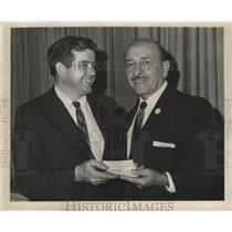 1965 Press Photo Mayor Victor H. Schiro and Photographer Erby Aucoin - noa17706