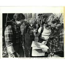 1988 Press Photo Participants on Backpacking Hiking Trip - noa21811