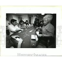 1993 Press Photo Irene Lerit Teaches Casino Dealers Lessons at Jefferson College