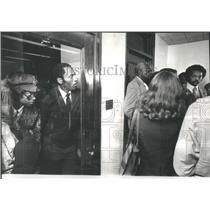 1977 Press Photo Jesse Jackson State of Illinois Bldg.- RSA39059