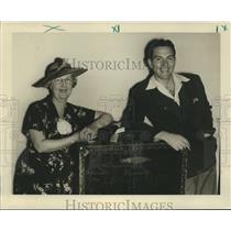 1937 Press Photo Hugh Beaumont and Miss Agnes Johns - noz00779