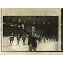 1972 Press Photo Bobby Hull, Winnipeg Jets in Madison Square Garden. - mja76326