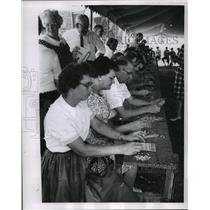 1962 Press Photo Bingo Players at Kekoskee, Wisconsin - mja88178