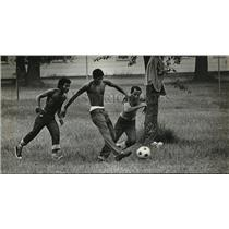 1980 Press Photo an informal game of soccer is one of the popular pastimes