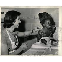 1964 Press Photo Board of Health Infant Welfare Station - RRW65457