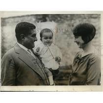 1926 Press Photo E Portes Gill & wife & son new Provisional Mexico President