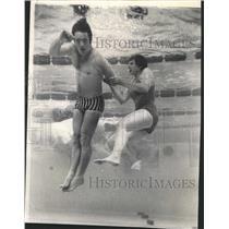 1971 Press Photo Marianne Potter Lifeguard Test Chicago - RRW44213