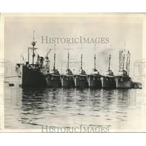"1932 Press Photo Destroyer Tender Black Hawk with some of her ""Brood"" Destroyers"