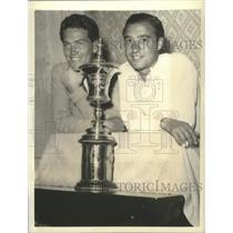 1938 Press Photo Buell Abbott and Willie Turnesa pose with Nat'l Amateur trophy