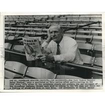 1954 Press Photo New York Yankee Manager Casey Stengel - sbs08298