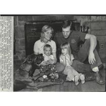 1972 Press Photo New York Mets' baseball pitcher John Matlack with his family
