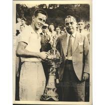 1936 Press Photo Clinton Ferguson receives Lipton Trophy from Barney Samuels