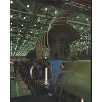 1990 Press Photo Salt Lake City McDonnell Douglas workers assemble twin-jet